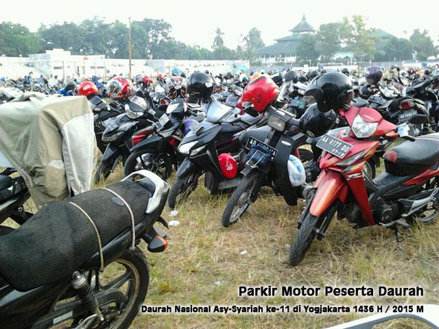 parkir-motor2-peserta